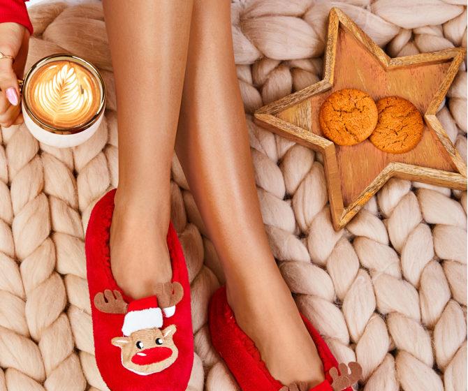 czerwone-kapcie-christmas-is-coming-3146599-540477-2